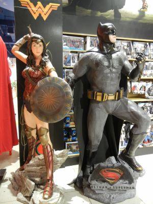 Статуя Лига Справедливости